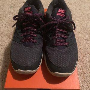 Nike Flex Experience RN3 Women's Size 7.5